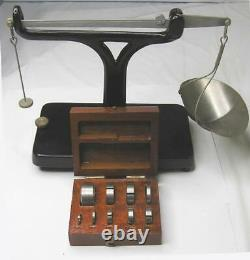 Vintage Brown & Sharpe Yarn Scale #980 & 10 Piece Weight Set-leveling-very Nice